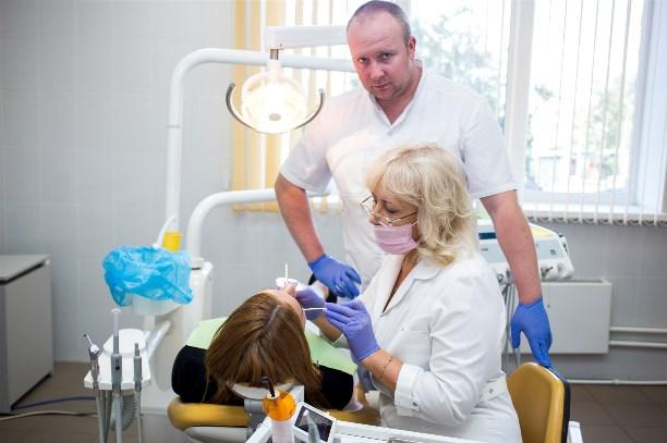 лечение зубов в туле имплантация протезирование